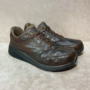 New Balance Men's Brown Leather Walking Shoes